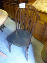 A set of four country wheel back kitchen chairs est: £25-£45