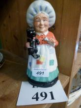 A Royal Doulton figurine Old Mother Hubbard DNR3  est: £20-£30 (F12)