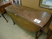 A Georgian mahogany oval gate leg dining table with pad feet est: £80-£120