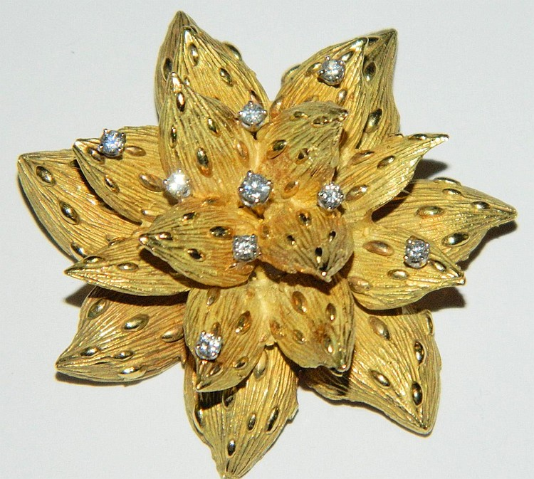 18k gold and diamond floral pin