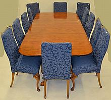 Hickory Table w 14 Queen Anne Style Chairs