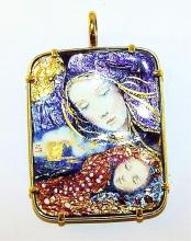 14k Gold Enameled Mother And Child Pendant