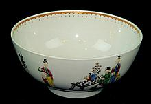19th Century Chinese Export Bowl with Figures