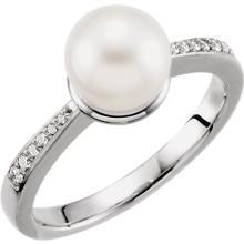 14kt White 8mm Pearl & .08 CTW Diamond Ring