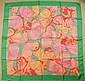 HANAE MORI Foulard en soie à décor de papillons roses sur fond vert - 90 x 90 cm - 35,4 x 35,4 in. (bon état/good condition)