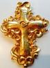 CHRISTIAN LACROIX Broche/pendentif Croix baroque en métal doré martelé et siglé    Hauteur : 9 cm