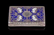 Boite rectangulaire en argent émaillé bleu et blanc - Travail étranger 19ème - Dim : 8x4,7cm - Poids :83,8g  Blue and white enamel and silver box - Dim :3,1x1,8in.