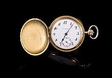 IWC Schwartz Montre de col  savonette en or 585 à décor de frise - Poids brut: 30,4g  14k gold pocket watch