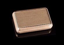 Tabatière en or à godrons - Travail français 19ème - Dim : 6x4,5cm -   Poids : 54,6g    Gold snuffbox - Dim : 2,3x1,8in.