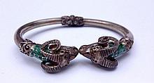 Bracelet articulé en argent à tête de bélier et émail vert -  Poids brut : 23,5 g