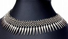 Collier collerette d'inspiration antique en argent -  Circa 1960 -  Longueur : 45,5g -   Poids brut : 81,5g