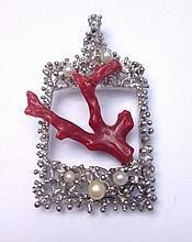 Pendentif en argent granité orné d'une branche de corail et de petites perles de culture -  Hauteur : 6cm -  Poids brut : 17g