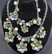 NICE FLORAL ESTATE JEWELRY BRACELET AND NECKLACE SET