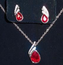 WHITE GOLD FILLED RED AUSTRIAN CRYSTAL NECKLACE & EARRING SET