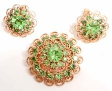 VINTAGE COSTUME JEWELRY BROOCHE AND CLIP EARRINGS SET