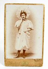 ANTIQUE CABINET CARD PHOTO OF A MAN IN GIRLS CLOTHING - ART 1875