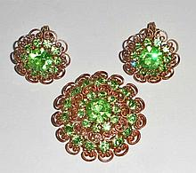 VINTAGE COSTUME JEWELERY EARRINGS AND BROOCH SET