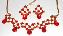 ESTATE JEWELERY NECKLACE AND EARRINGS
