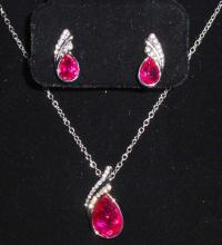 WHITE GOLD FILLED HOT PINK AUSTRIAN CRYSTAL NECKLACE & EARRING SET