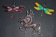 LOT OF 3 COSTUME JEWELERY PENDANTS