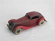 A Dinky Toy Pre-war No 24E Super Streamline Saloon