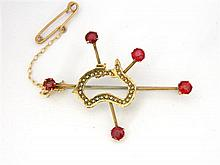 An Australian 9ct Yellow Gold Australia and Southern Cross Brooch