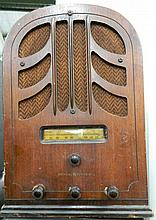 A 1930s General Electric Tombstone Radio