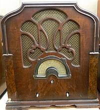 A 1930s Airline Tombstone Radio