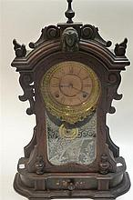 A late 19th century American mantle clock