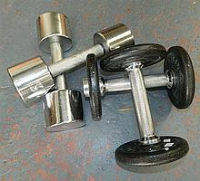 2 pairs of hand weights