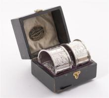 A cased pair of T. Gaunt of Melbourne sterling napkin rings