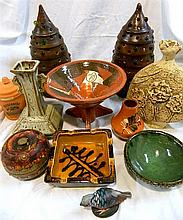 Box of pottery items, incl. decorative garden lamps