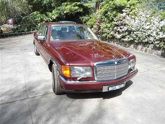 A 1989 Mercedes 560 SE, Fully Optioned Automatic Sedan