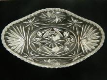 A continental crystal serving bowl