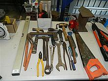 A large quantity of various hand tools
