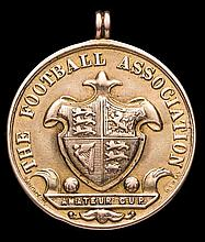 A 9ct. gold F.A. Amateur Cup runners-up medal,  uninscribed with match