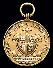A 9ct. gold F.A. Amateur Cup runners-up medal,  uninscribed but hallmar