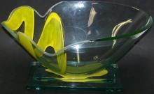 *ART GLASS CENTER BOWL