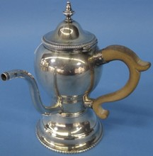 *GEORGIAN STERLING SILVER TEA SERVER