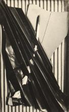 VINTAGE PHOTOGRAPH OF MAN RAY OBJECT
