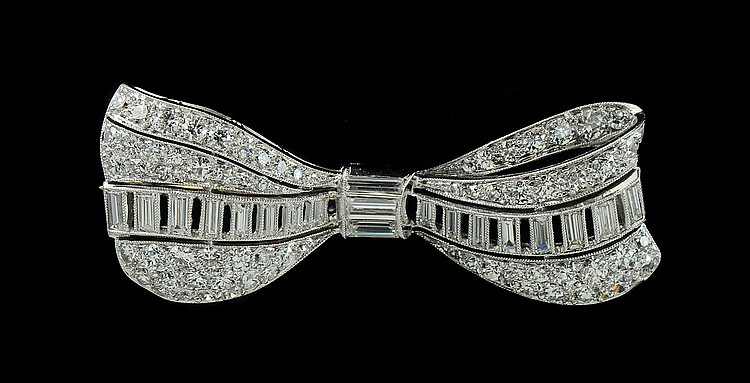 PLATINUM 2.50 CTW DIAMOND BOW PIN