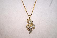 14kt y.g. Diamond set pendant necklace