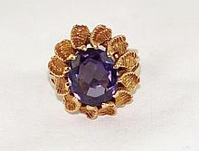 14kt y.g. Amethyst set ring - oval faceted 11ct