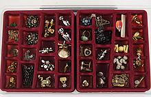 Jewelry tray w contents - brooches, earrings,