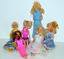Vintage Barbie and other dolls/figures