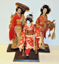 Vintage Japanese dolls/bases/black lacquered