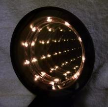 Optical illusion tunnel vision lamp