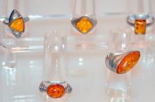 Estate sterling amber rings/5 rings