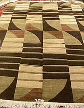 MODERN HAND KNOTTED AREA RUG