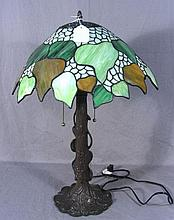 LEADED GLASS AND METAL TABLE LAMP